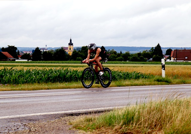 What does a triathlete do? What do you do in a triathlon? BREAKAWAYATHLETICEVENTS